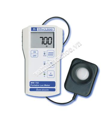 Máy đo cường độ ánh sáng cầm tay MW700