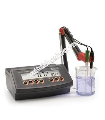 Máy đo pH để bàn HANNA HI 2211-02